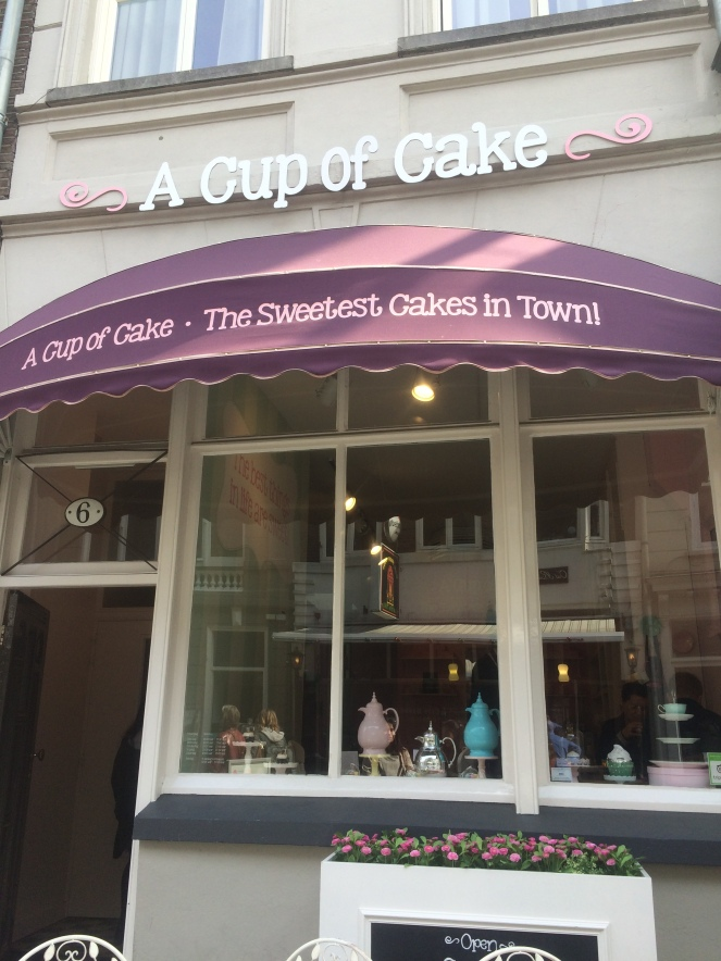cupcake enterance